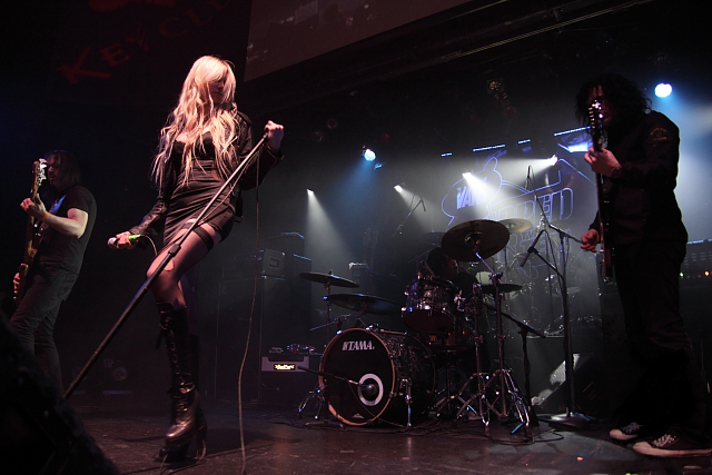 Taylor momsen and the pretty reckless make historytaylor momsen and photowikimedia commons m4hsunfo